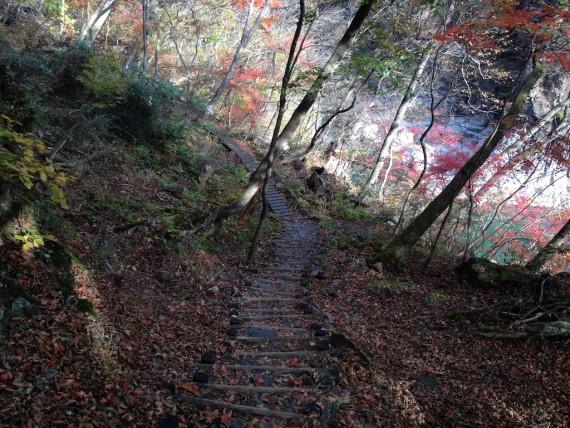 龍王峡を歩いていく道の具合