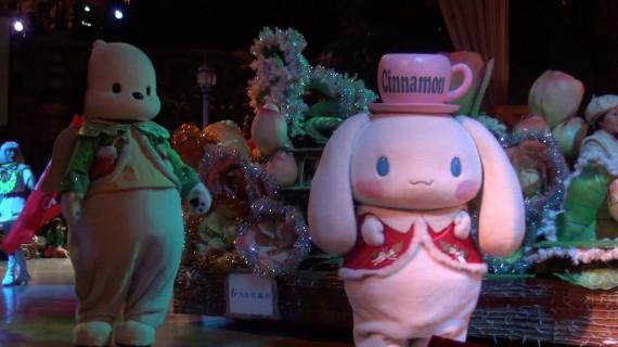 ARIGATO EVERYONE! ハローキティ40周年記念パレードでのシナモンくんとポチャッコくん