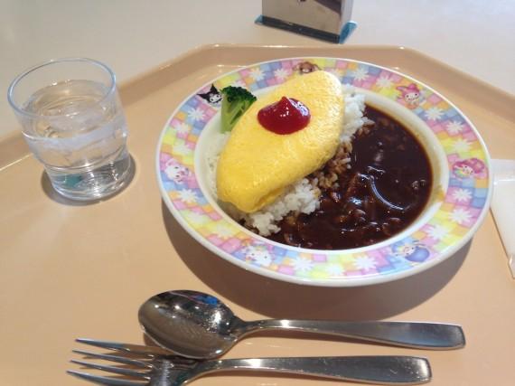 なんとなく食べやすいオムレツハヤシライス