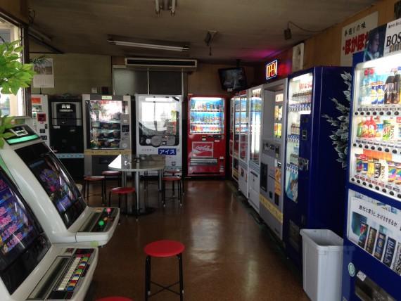 自販機とアーケードゲーム機