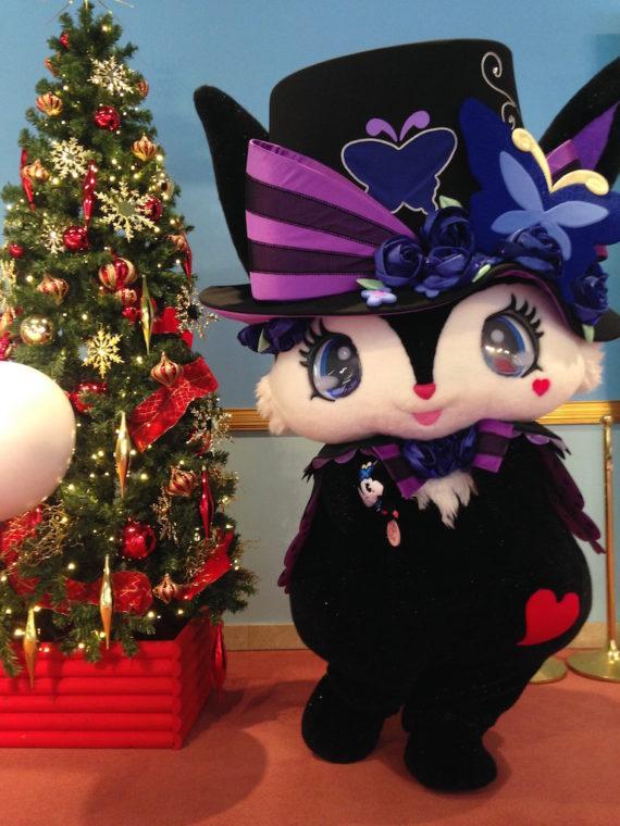 クリスマスツリーとルーアちゃん