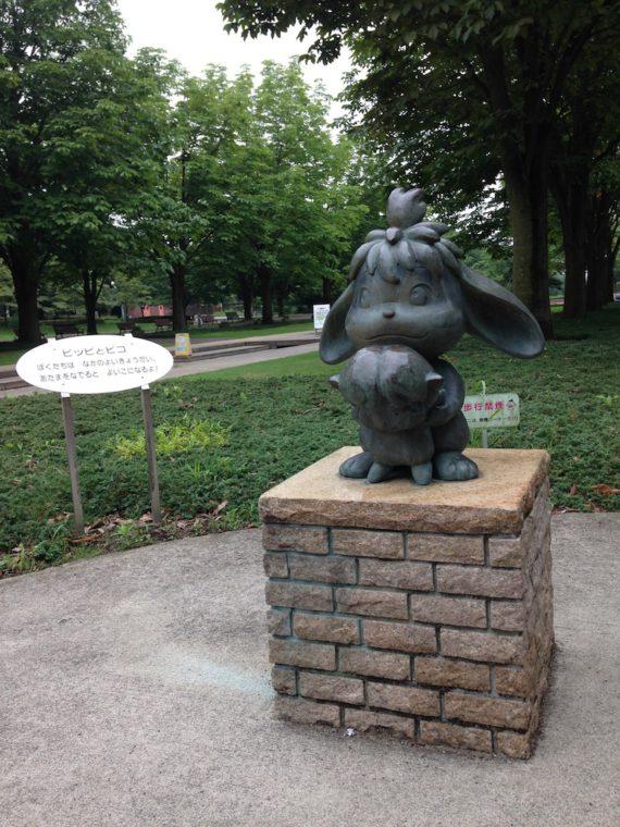 ピッピとピコの銅像