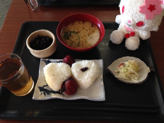 シンプルなホテルフジヨシの朝食