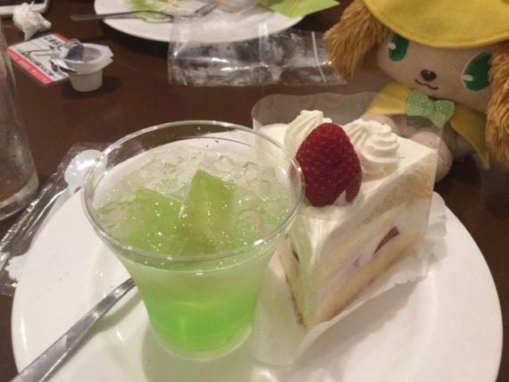 ゼリーとショートケーキの3皿目