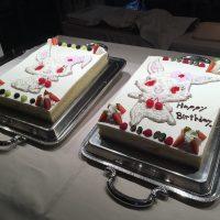 ルビーちゃんが描かれた大きなケーキ