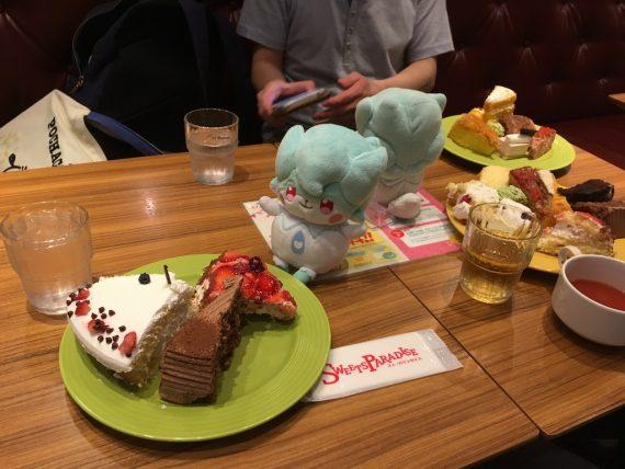 パリーヌくんと一緒にケーキ