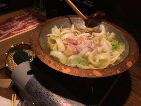 「かまどか 昭和通り口店」の鍋料理