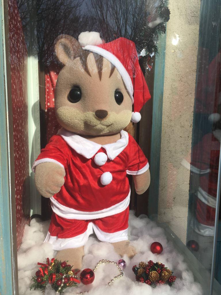ショコラウサギちゃんのお友達のリスくん