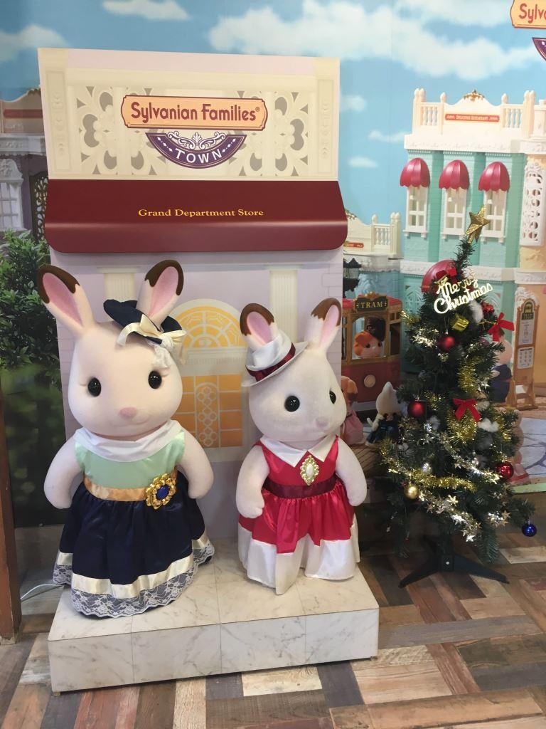 クリスマス衣装のショコラウサギちゃん達