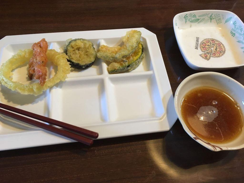天ぷらと天ぷらのつゆ