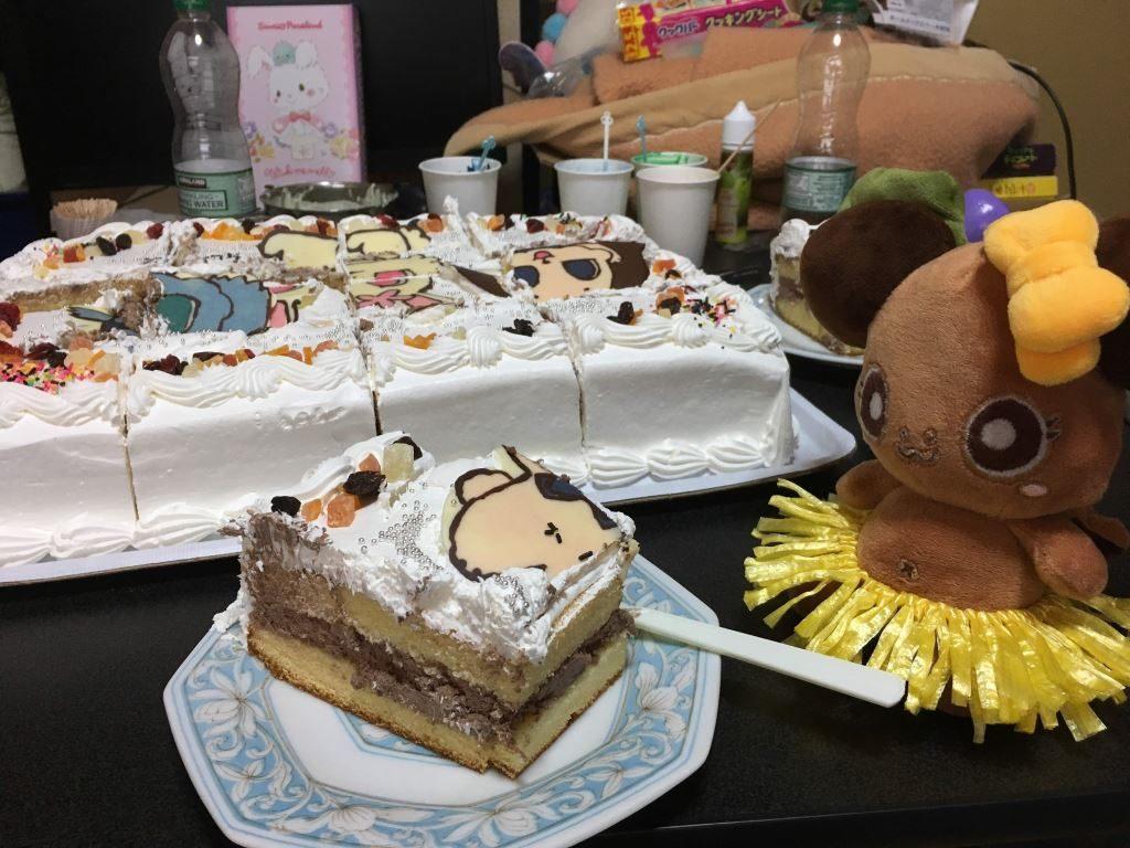 ケーキとボタンちゃん