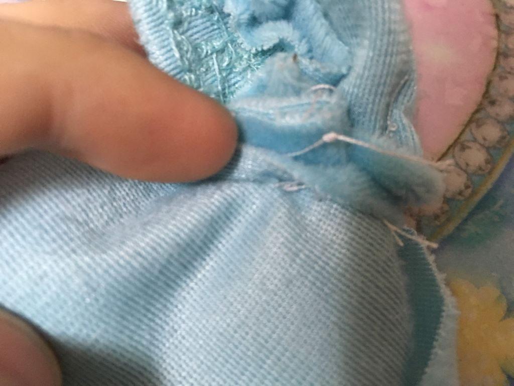 縫われている腕の部分