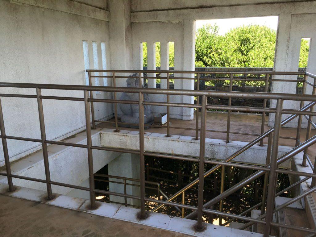 大黒山展望台の階段