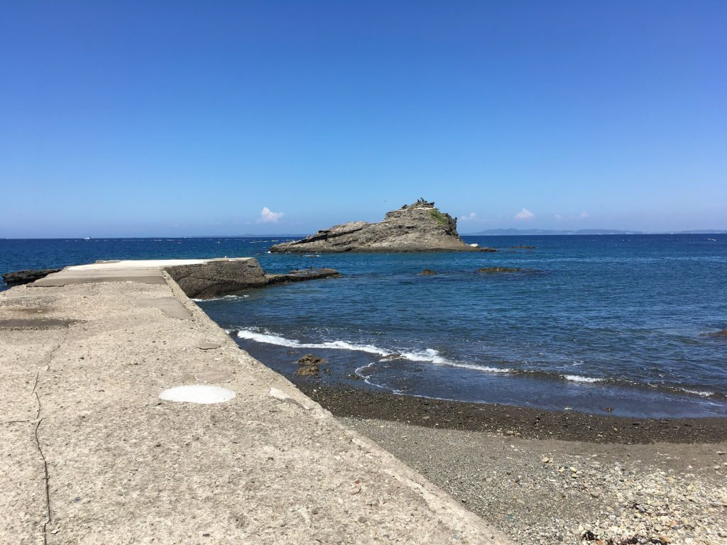 岸から見える海