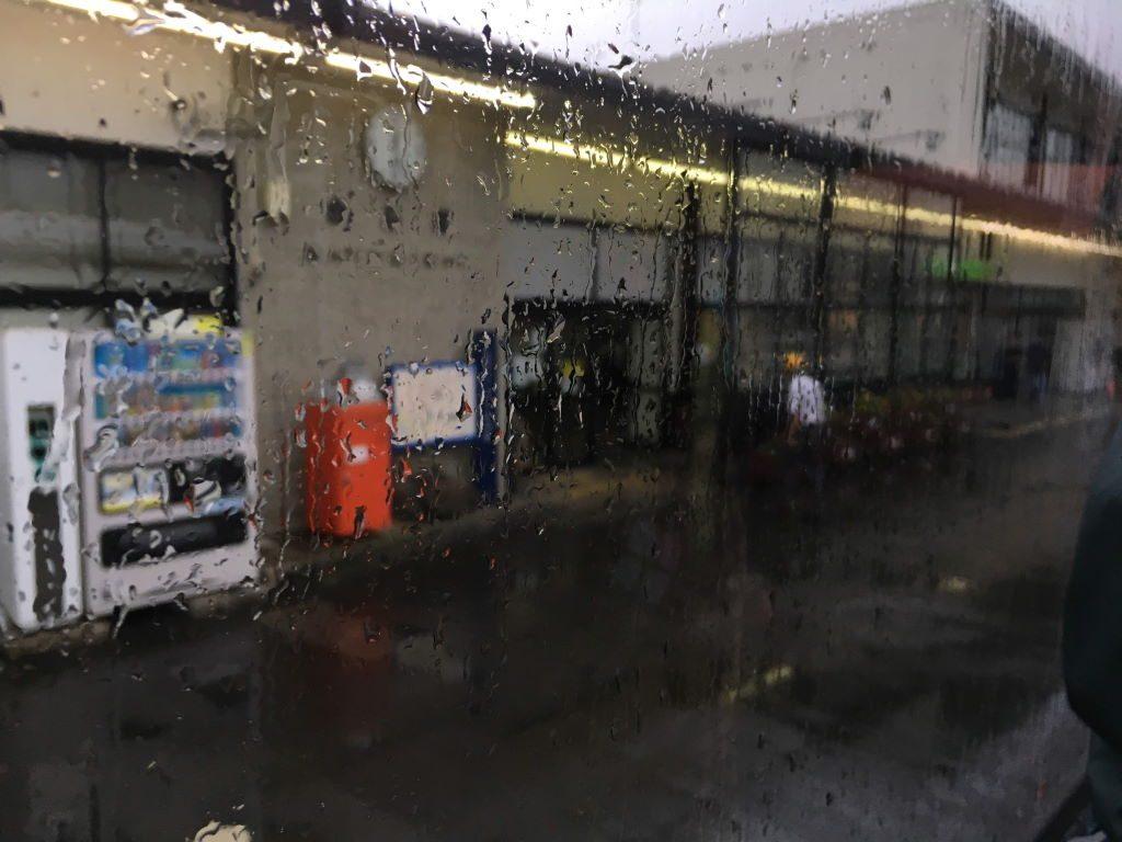 代行バスから見た白石駅