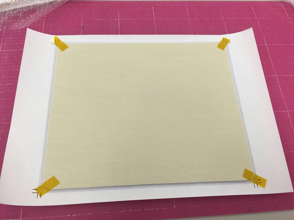 転写シートをマウスパッドに貼り付け