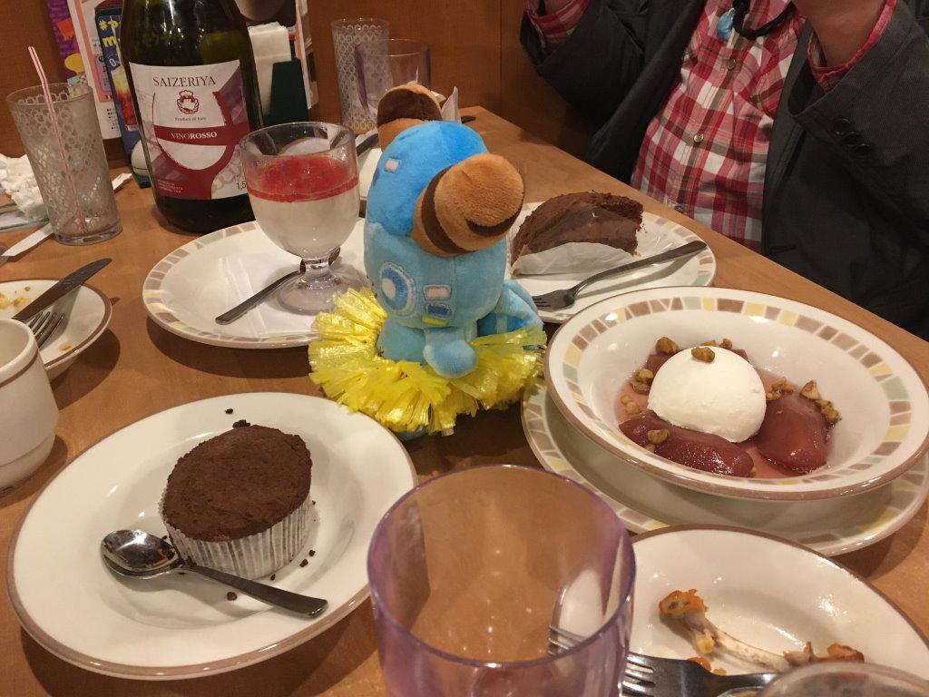 アイスにワインコンポートにケーキにパンナコッタ