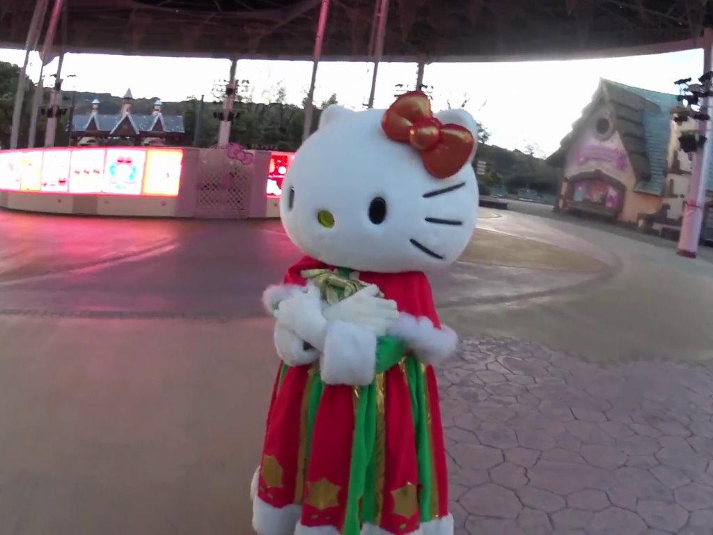 寒そうなキティちゃん
