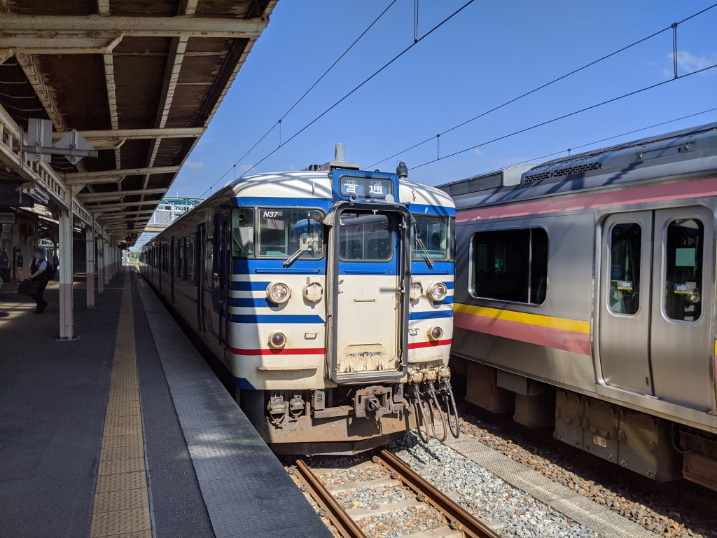 吉田駅に着いて柏崎行きになる115系