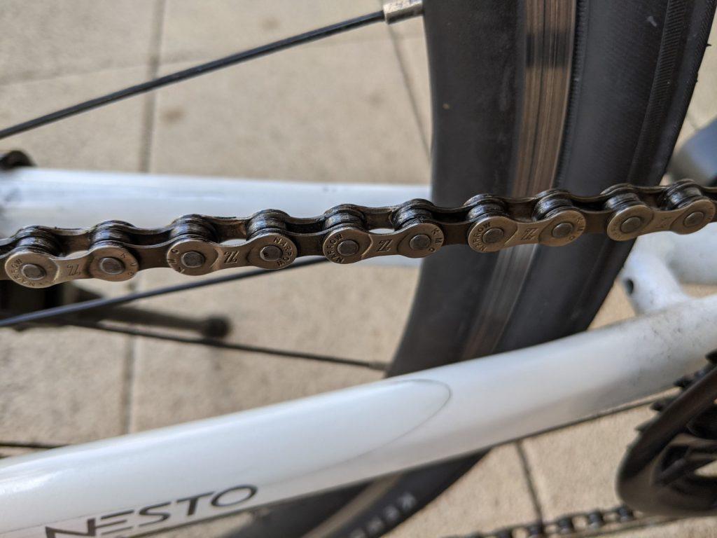 綺麗にした後の自転車のチェーン